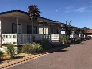 Sundowner Cabin and Tourist Park - Accommodation Directory