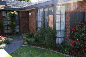 Hawthorn Holiday House - Accommodation Directory