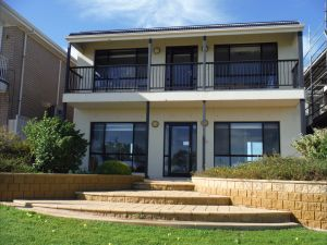 South Shores - Accommodation Directory
