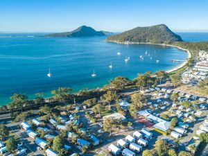 Shoal Bay Holiday Park - Accommodation Directory