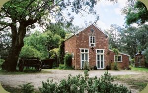 Claremont Coach House - Accommodation Directory
