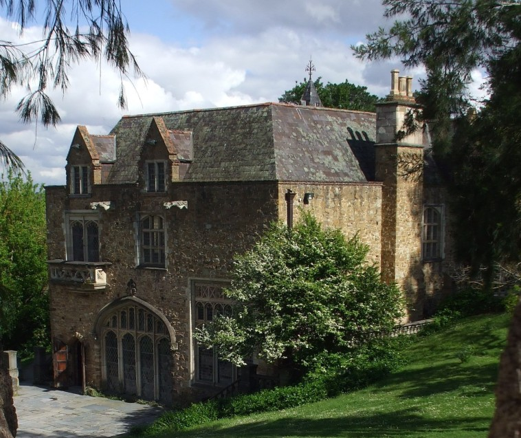 Montsalvat - Accommodation Directory