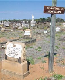 Blackall Cemetery - Accommodation Directory