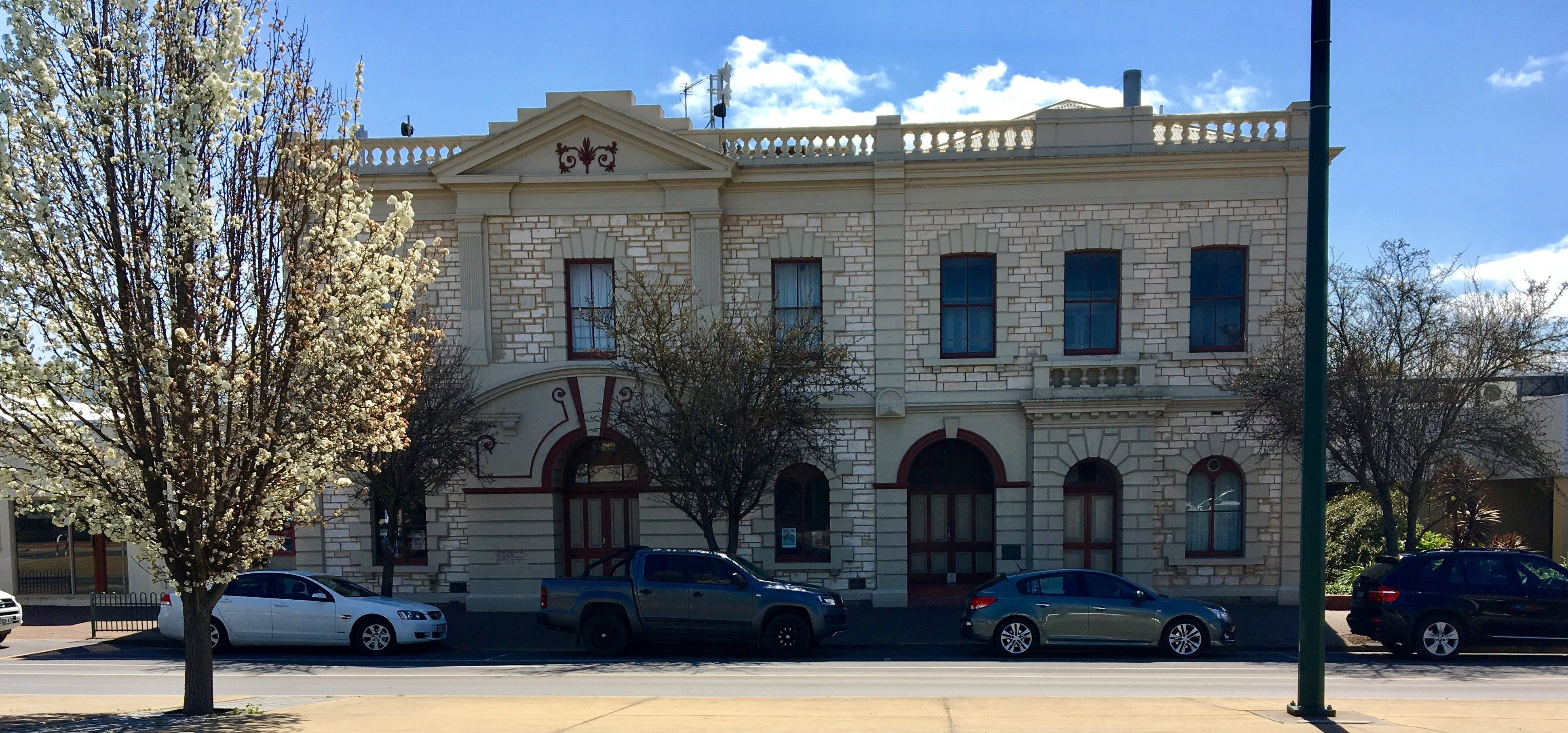 Naracoorte Town Hall - Accommodation Directory