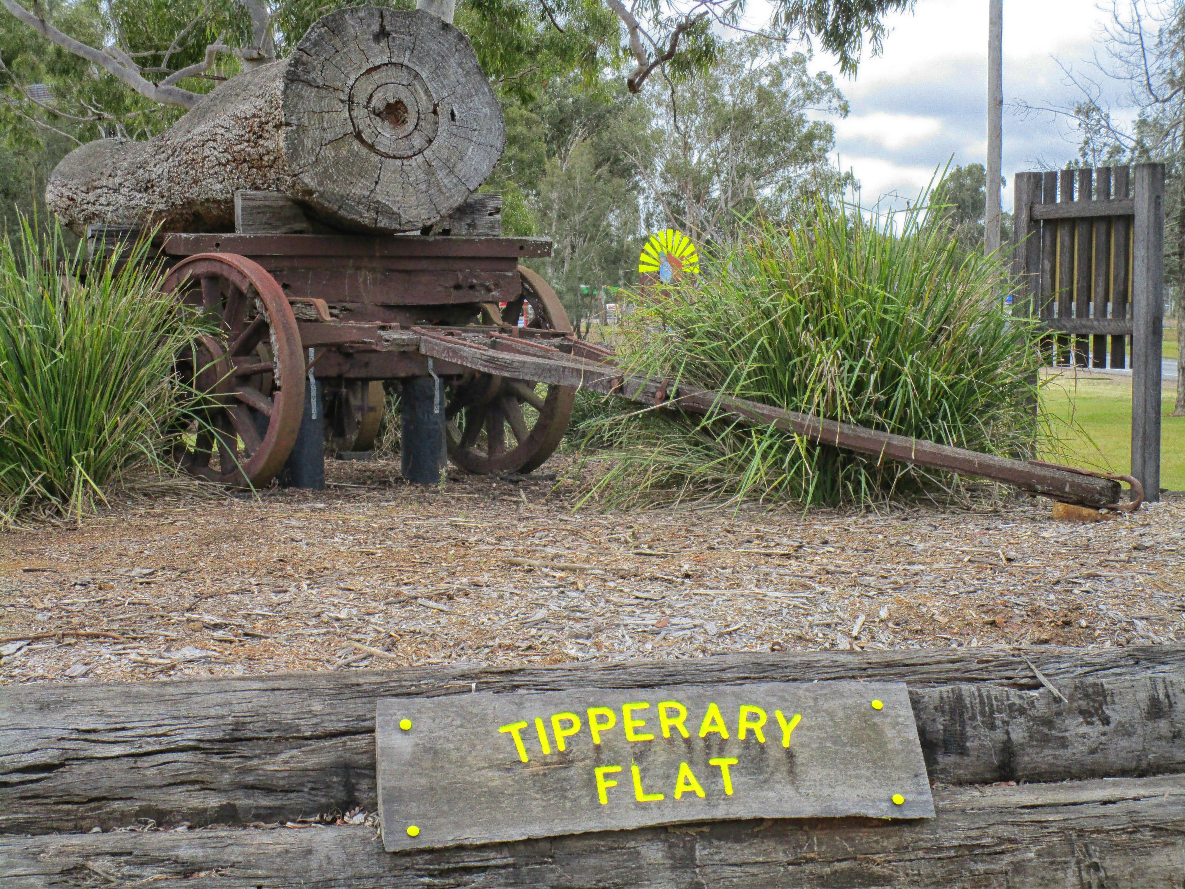 Tipperary Flat - Accommodation Directory