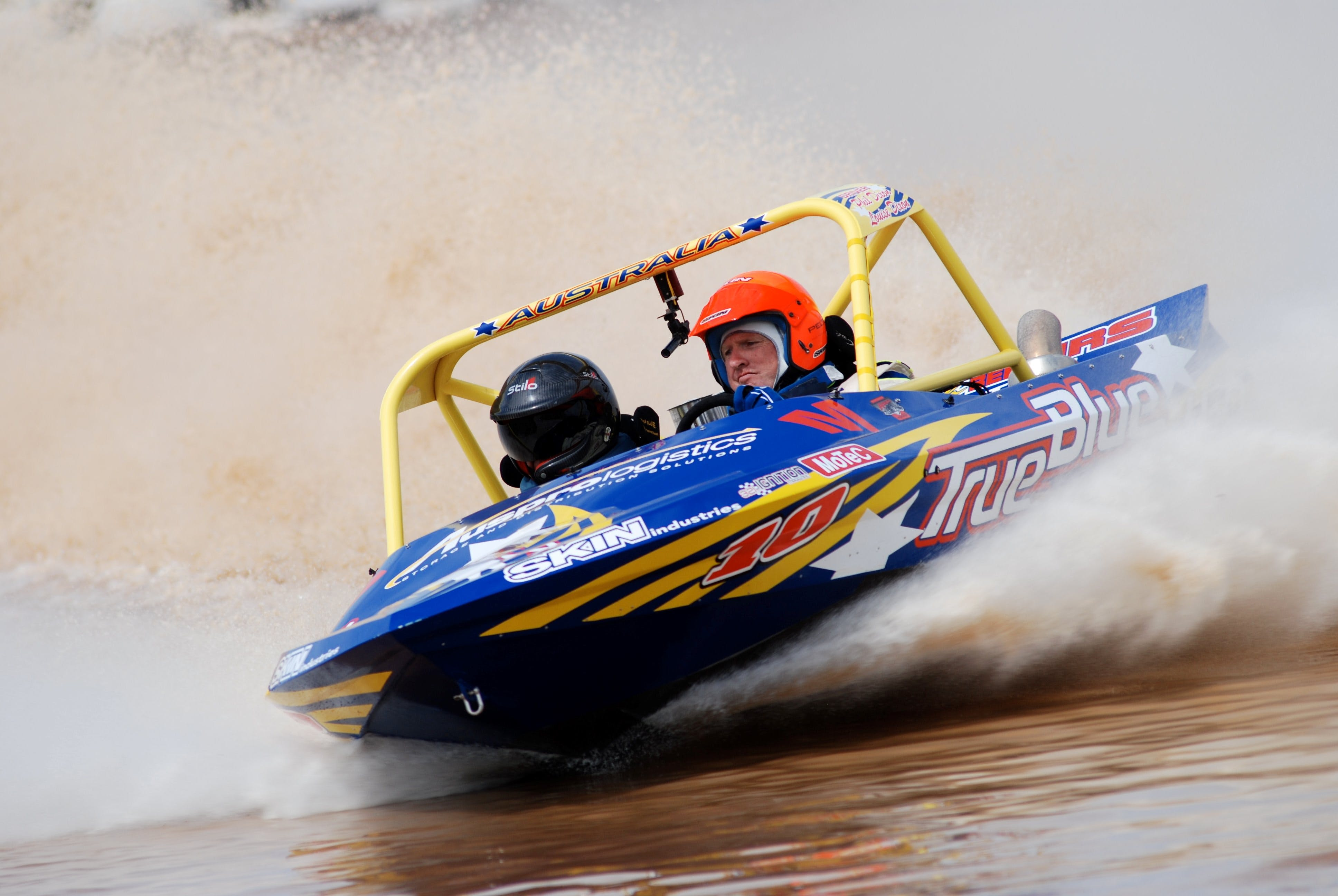 V8 Superboats - Accommodation Directory