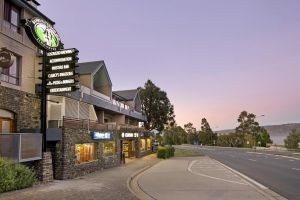 Banjo Paterson Inn - Accommodation Directory