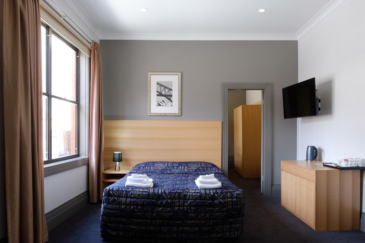 Royal Exhibition Hotel - Accommodation Directory