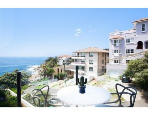 Unbelievable luxury apartment at the top of Bondi Beach - Accommodation Directory