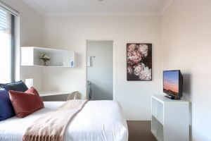 Bright Studio Steps from Westmead Hospital - Accommodation Directory
