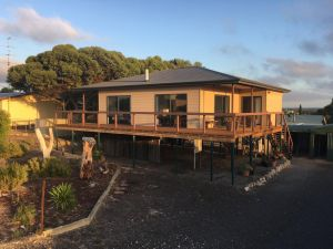 Chill n Sea Coastal Retreat - Accommodation Directory