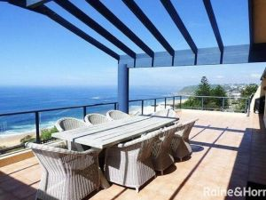 Cliff View - 62 Forresters Beach Road - Accommodation Directory