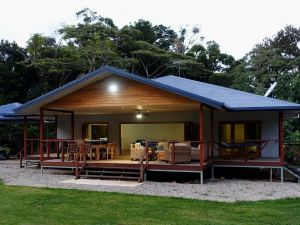 Coconut Beach House - Accommodation Directory