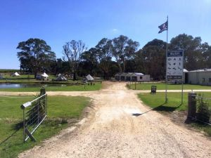 Coonawarra Cabins Unit D - Accommodation Directory