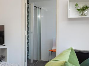 Cosy and Bright Studio Next to Westmead Hospital - Accommodation Directory