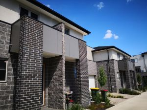 Delicate and Peaceful Bundoora Townhouse 12 - Accommodation Directory
