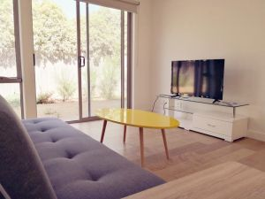 Delicate and Peaceful Bundoora Townhouse 20-R4 - Accommodation Directory
