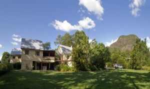 Glass House Mountains Ecolodge - Accommodation Directory
