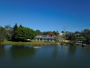 Hibiscus Lakeside Motel - Accommodation Directory
