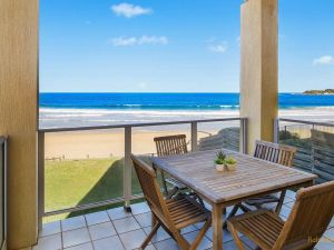 Horizons - 1/99 Ocean View Drive - Accommodation Directory