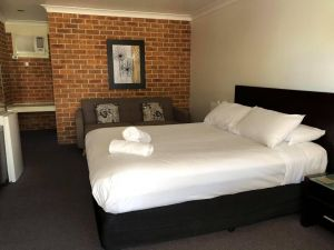 Lake Macquarie Motor Inn - Accommodation Directory
