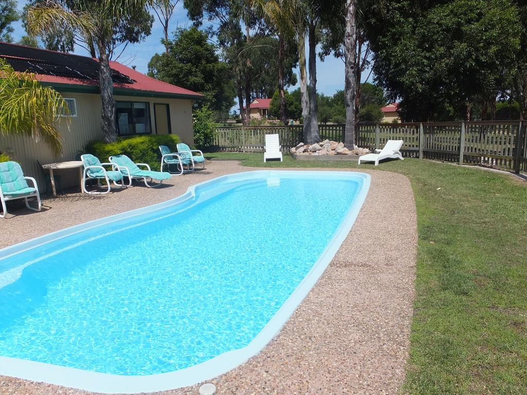 Lakes Entrance Country Cottages - Accommodation Directory