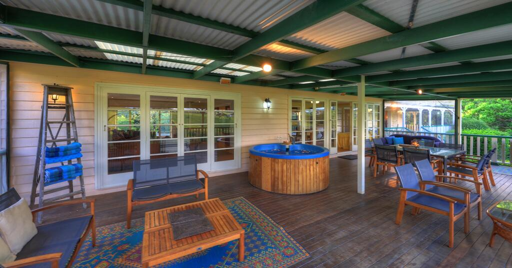 Maleny Homestead & Cottage - Accommodation Directory