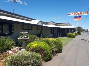 Motel Riverbend - Accommodation Directory