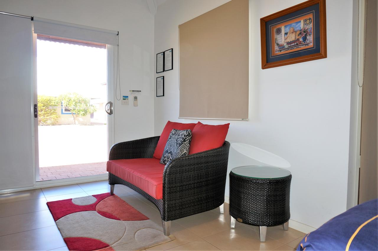 Osprey Holiday Village Unit 103/1 Bed - Perfect Short Stay Apartment With King Size Bed - Accommodation Directory