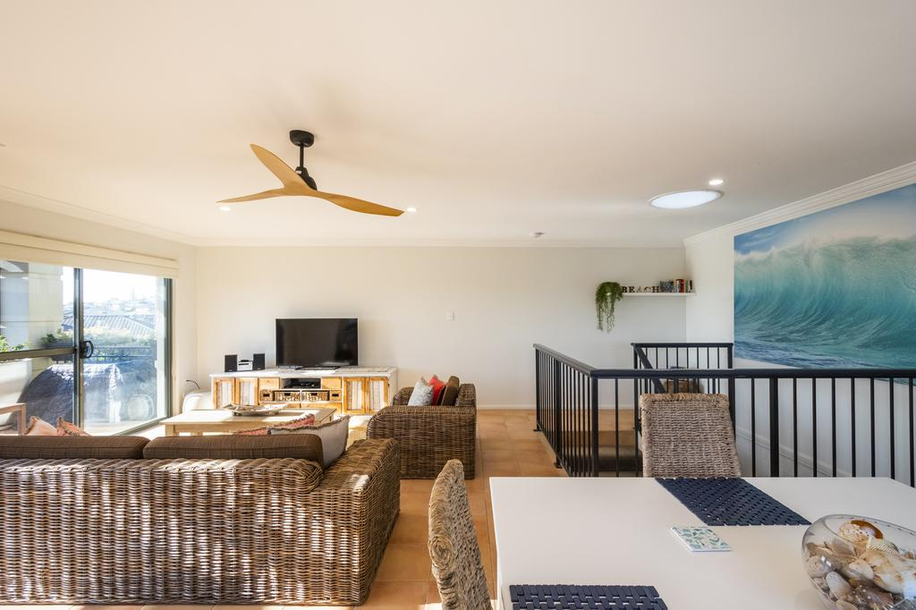 Oceanside - Accommodation Directory