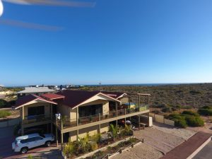 On the Deck  Shark Bay - Accommodation Directory