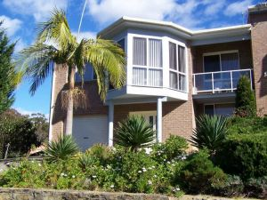 Retreat on Surf Beach - Accommodation Directory
