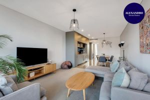 STYLISH CAMPERDOWN APARTMENT and PARKING INC - Accommodation Directory