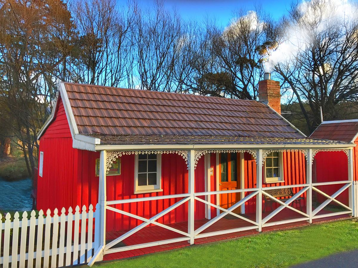 Platypus Playground Riverside Cottage - Accommodation Directory