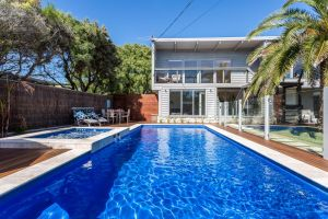 Front Beach House - Accommodation Directory