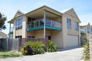 Ocean View Beach house - Accommodation Directory