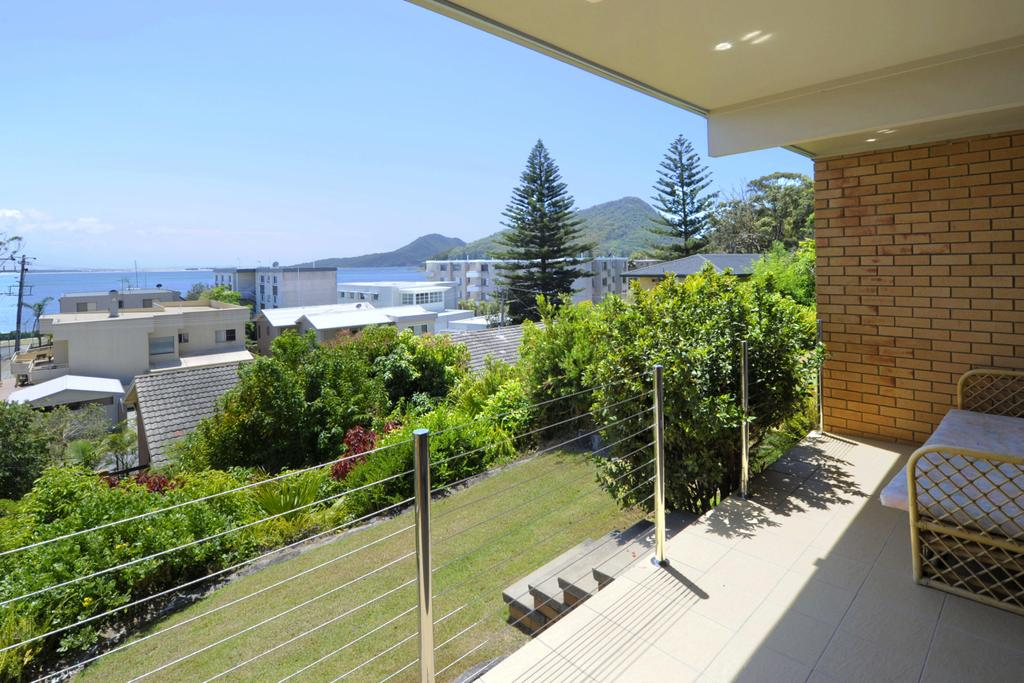 The Crest Unit 1 - Shoal Bay - Accommodation Directory