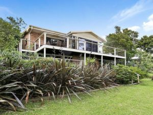Tradewinds  The Bay - all the comforts of home - Accommodation Directory