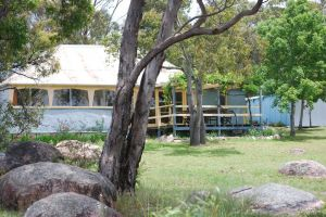 Twisted Gum Vineyard Cottage - Accommodation Directory