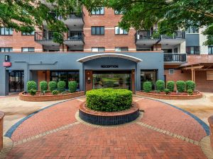 Central Brunswick Apartment Hotel - Accommodation Directory