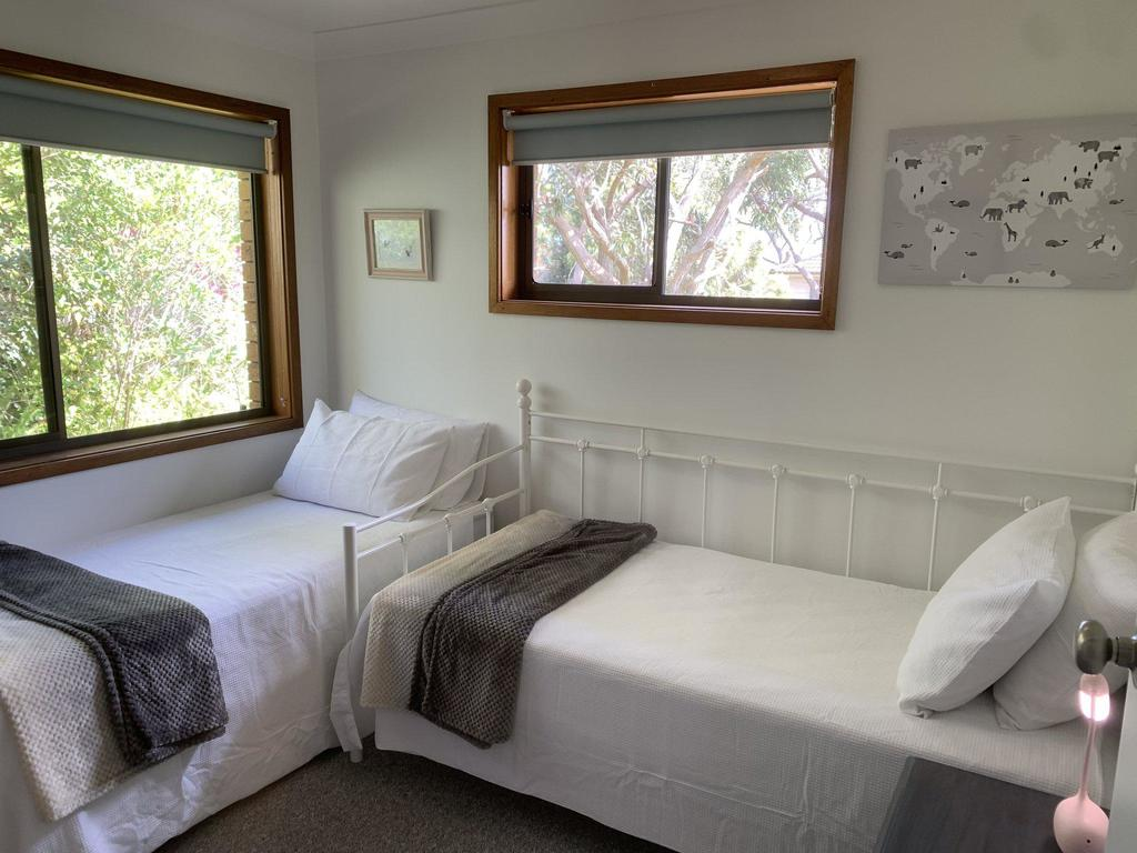 Wreck Beach Cottage @ Shoal Bay - Accommodation Directory