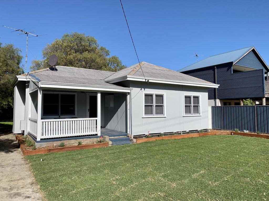 Yaringa Cottage...by The Sea - Accommodation Directory