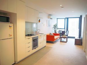2Bed 1Bath Cozy Apartment in CBD - Accommodation Directory