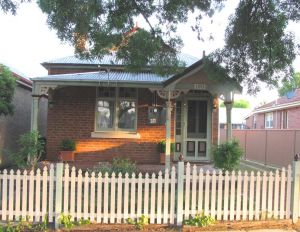 Acacia Cottage on Peel Bathurst - Accommodation Directory