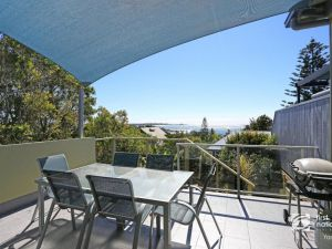 Angourie Blue 1 - Great Ocean Views - Surfing beaches - Accommodation Directory