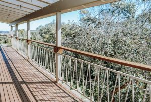 Banksia Beach House - Accommodation Directory