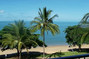 Beachfront Apartments on Trinity Beach - Accommodation Directory