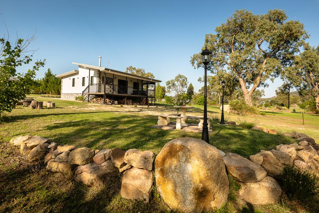Bella Vista Stanthorpe - Accommodation Directory