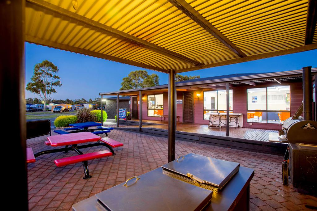 BIG4 Traralgon Park Lane Holiday Park - Accommodation Directory